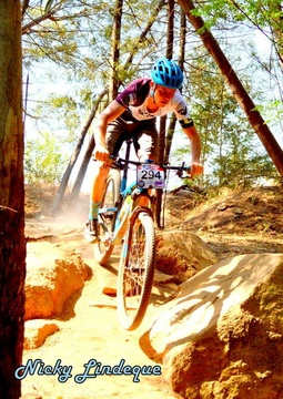 Sky Lodge, Hartbeespoort - Bring your mountain bike, we are close to the famous Cheese Farm mountain bike trails. Many races go right past our front gate