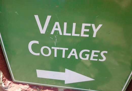 Valley cottages at Sky Lodge, Hartbeespoort self catering accommodation