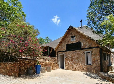 Blue Sky Lodge, Sky Lodge, Hartbeespoort self catering accommodation